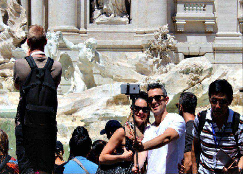 36 hours in Rome: Selfie Sticks, Piss Puddles and Free Fiestas