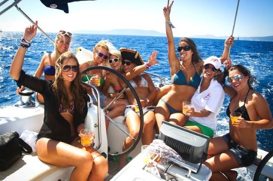 2HR PRIVATE BOAT SAILING